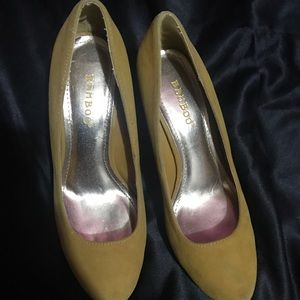 Mustard color bamboo heels size 7